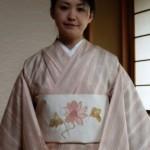 明日までの伝統工芸作家大島律子作草木染め手織り紬の着姿